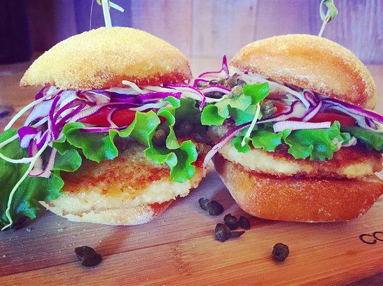 Occidental, Kaliforniya: Dungeness crab cake sliders