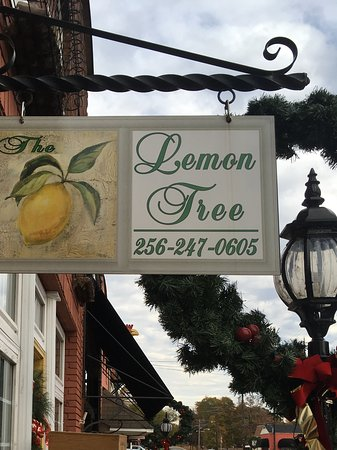 Rogersville, AL: The Lemon Tree Sign