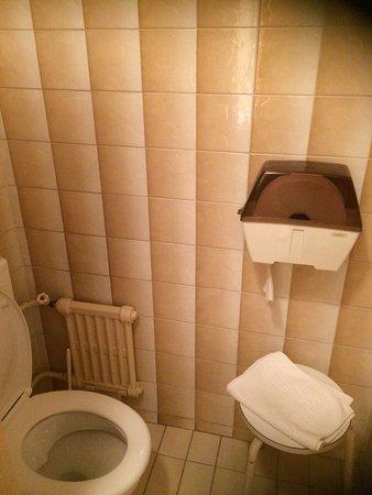 Grand Hotel Terminus Reine : photo1.jpg
