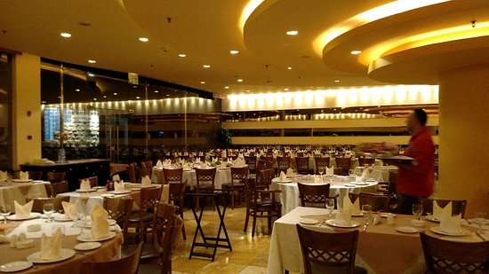 Burj Al Hamam : A shot of the seating before it filled.