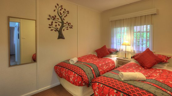Chestnut Tree Holiday Apartments: Beautiful Cottage room