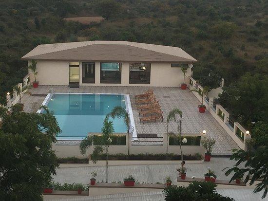 Le Madhulika Maharana Resort & Spa