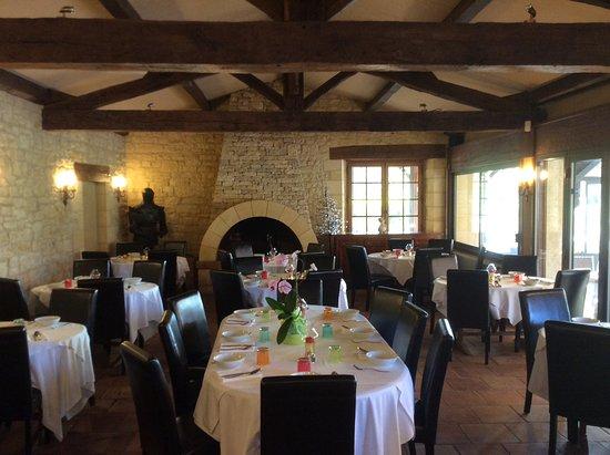 Vezac, France: Salle de restaurant