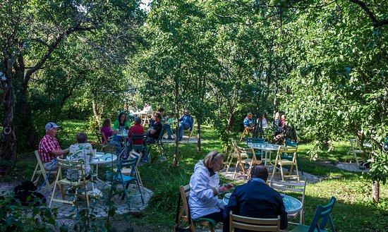 Nagu, Finland: Puutarha