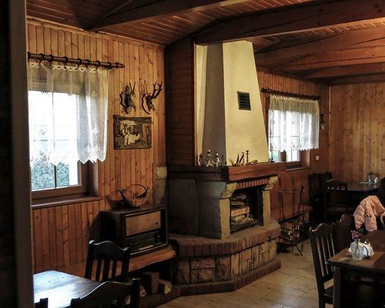 Gdow, Poland: Jest i kominek