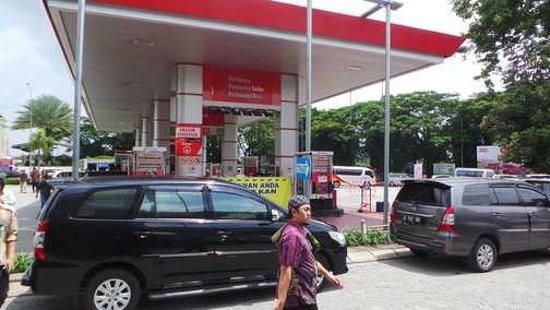 Karawang, Indonesien: Tempat pengisian bahan bakar
