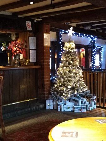christmas greetings at the robin hood