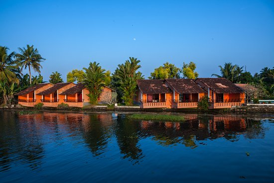 Green Palace Kerala Resort: Cottages