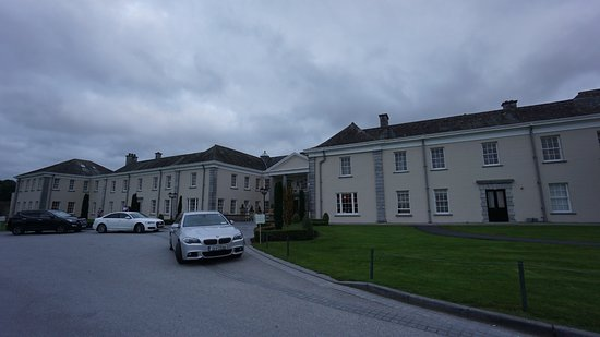 Castlemartyr, İrlanda: main entrance