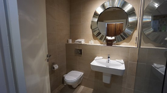 Ferrycarrig, Irlanda: lovley bathroom