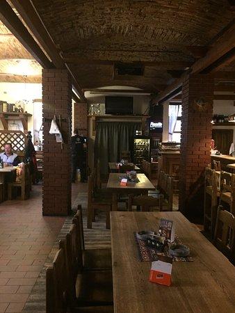 Excelente gastronomía local, buen ambiente y servicio agradable.