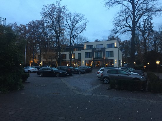 Geisenheim, Germany: Relais & Châteaux Hotel Burg Schwarzenstein