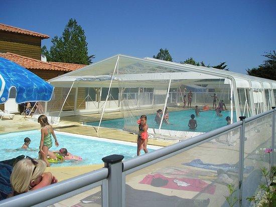 Photos les moutiers en retz images de les moutiers en for Prix piscine couverte chauffee construction