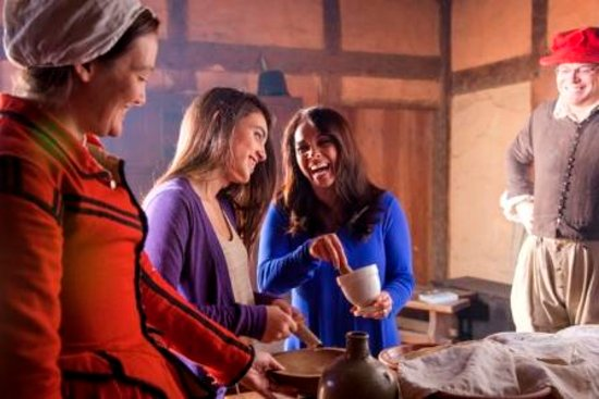 Williamsburg, VA: Colonial Christmas at Jamestown Settlement