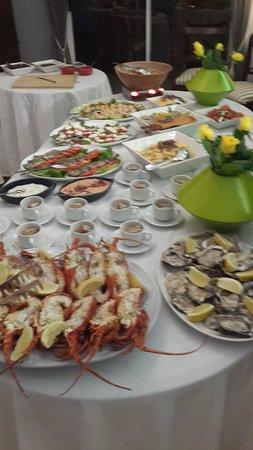 Berrydel Gourmet Guest House: diner buffet