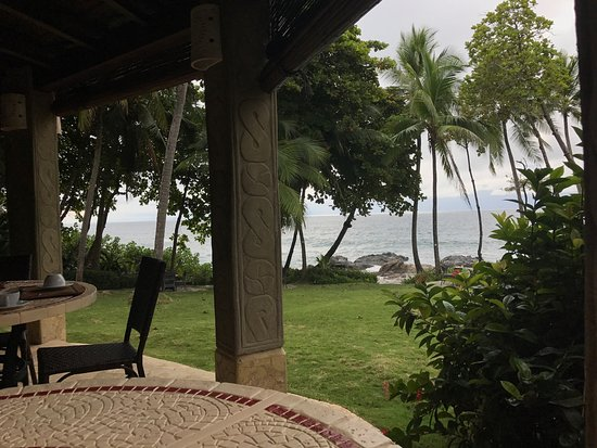 Ylang Ylang Beach Resort: photo2.jpg