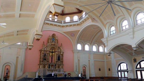 Las Pinas, Philippines: The interior of the Santuario de San Ezekiel Moreno