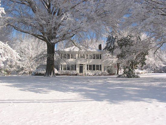 Snow in Yadkinville, Vintage Inn Bed and Breakfast