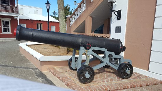 St. George, Bermudy: Cannon