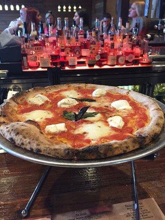 Clarksboro, NJ: Margherita Pizza