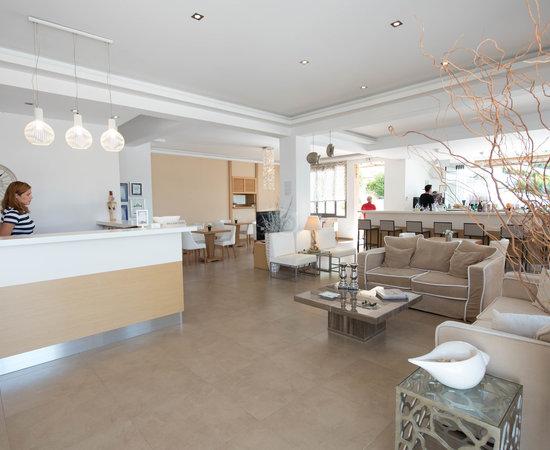Atrium Hotel Skiathos Family Room
