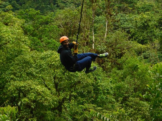 San Luis, Costa Rica: Tarzan Swing, what a rush.