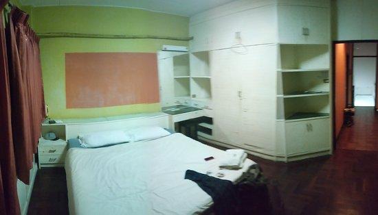 The Urban Age Hostel: Real photo of pridať room