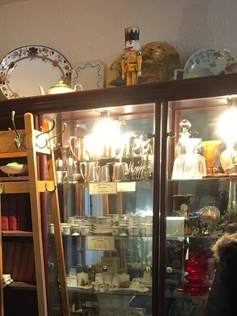 Walpole Bay Hotel: Display cabinet in reception