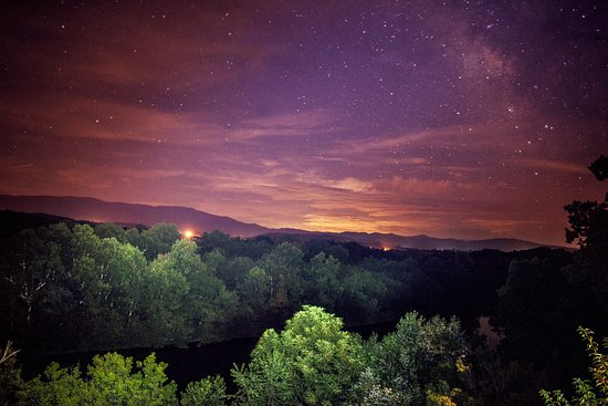 Greeneville, TN: Night view from the Redbud Cabin