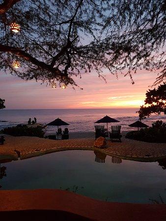 Treasure Beach, جامايكا: Jake's Salt Water Pool at Sunset.