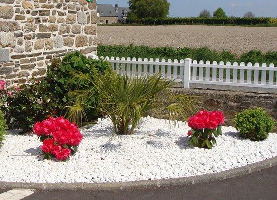 Le mont saint michel photo de petit angle saint broladre tripadvisor - Massif de fleurs photos ...