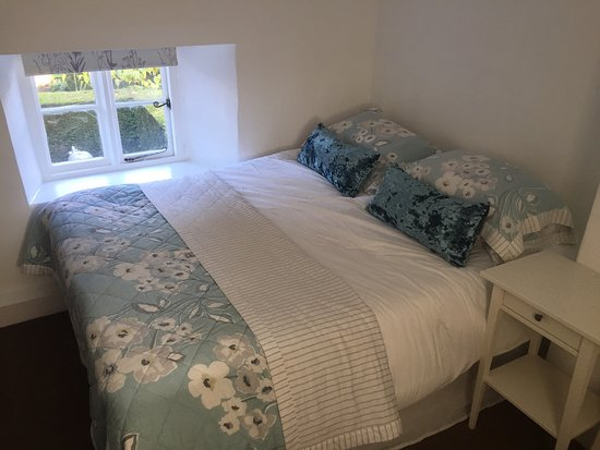 Kendal House: We have redecorated our flat attached to the B&B. It's now ready for bookings