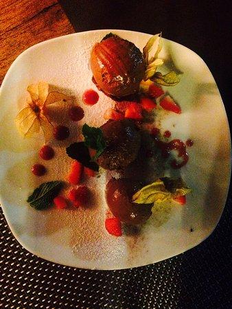 Ses Salines, Spain: Mousse de chocolate estaba deliciosa, textura sorprendente.