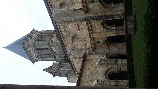 Fontenay-le-Comte, Francia: 20161112_161507_large.jpg