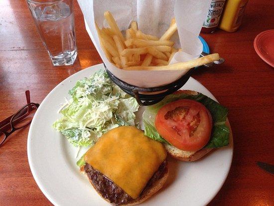 Truckee, Калифорния: Restaurant is Inside the Alder Creek Adventure Center