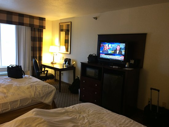 Holiday Inn Express Childress--View of writing table and TV desk