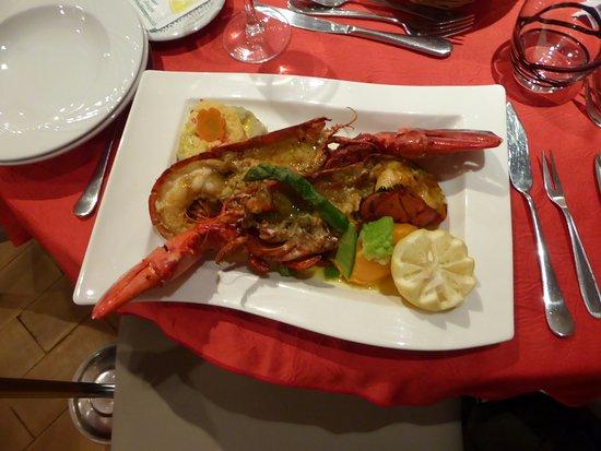 Pierrefeu-du-Var, France: et le voilà dans l'assiette