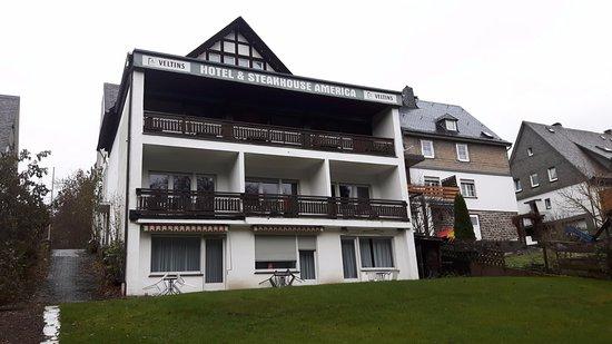 Fredeburg, Tyskland: Achterzijde van uit de tuin