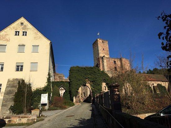 Burgruine Hilpoltstein: Zugang der Ruine