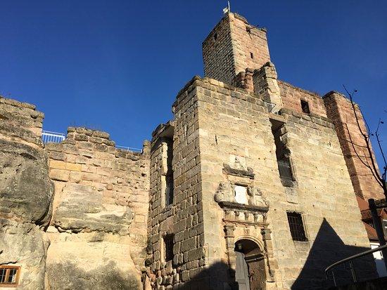 Burgruine Hilpoltstein: Eingangsbereich der Ruine