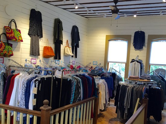 Brandon, VT: Love the great clothing selections