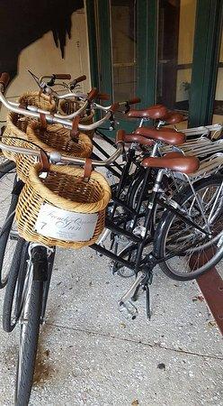 French Quarter Inn: Bikes for guest use