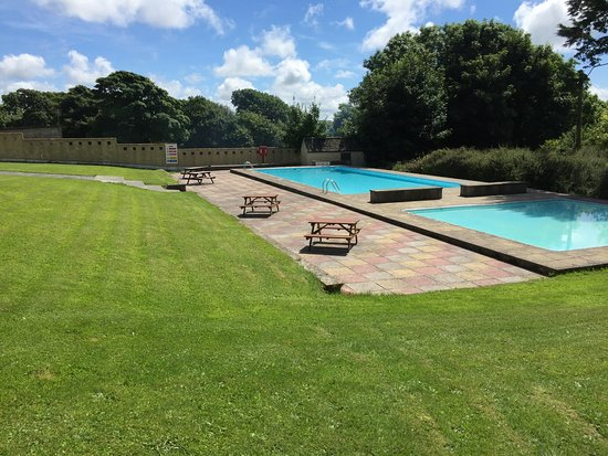 Kilkhampton, UK: Amazing photo of our seasonal swimming pool, taken in July 2016