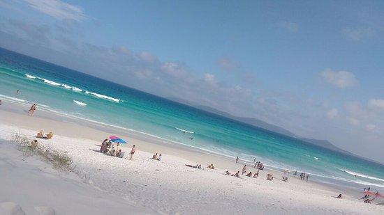 Hotel Balneario Cabo Frio: Praia das Dunas em frente o Hotel.