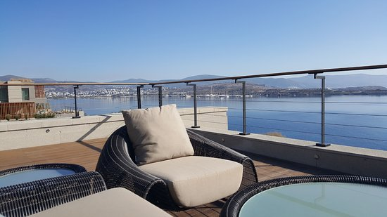 Caresse A Luxury Collection Resort U0026 Spa: Uniquely Designed Luxurious, Contemporary  Sofas And Furnitures