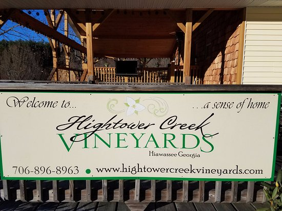 Hightower Creek Vineyards: This sign welcomes you to come on in....