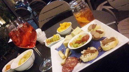 Pino's Bar