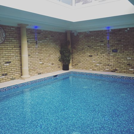 Banbury Hotels With Swimming Pool