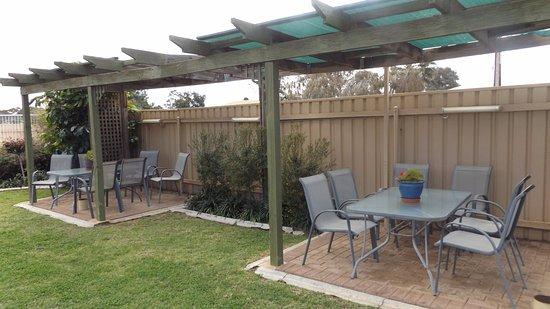 พอร์ตออกัสตา, ออสเตรเลีย: Seating in Pool Area