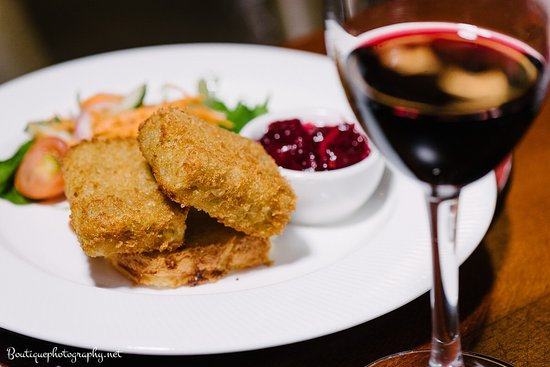 Roscommon, Ireland: Our popular bar food menu served daily til 9pm